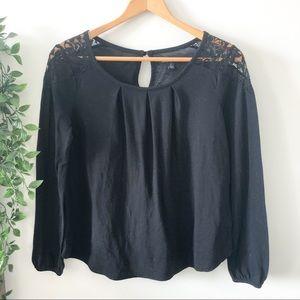 ⭐️ 2/$20 American Eagle Black Long Sleeve